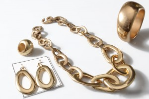 gold3 300x199 Bracelets products at bijoux